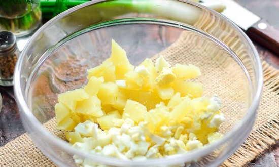 мельчим картофель