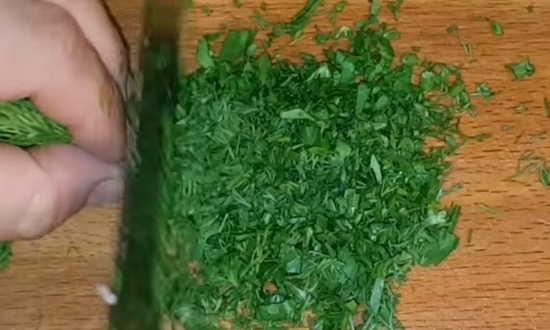 мелко режем зелень