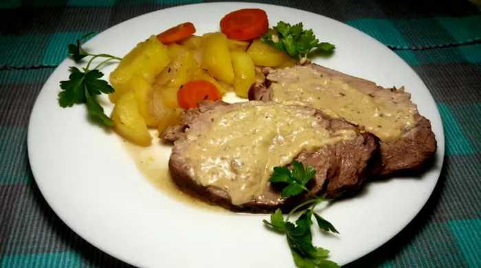 говядина в духовке с картофелем