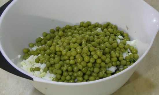 отправляем в салат зеленый горошек