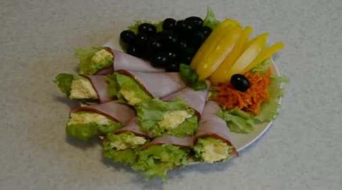 закуска салатная в ветчине