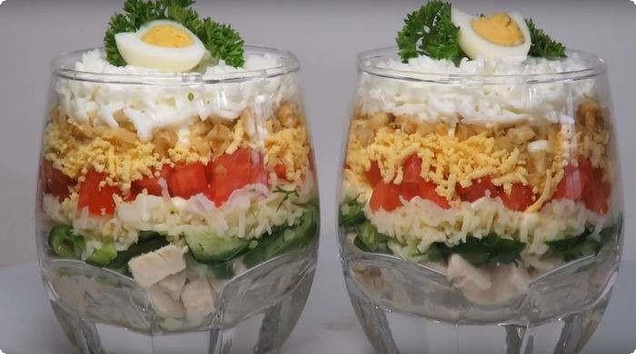 куриный салат с сыром и яйцом