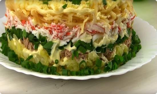 рыбный салат готов