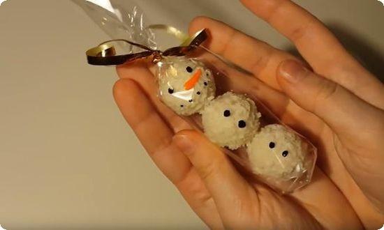 рисуем снеговику лицо