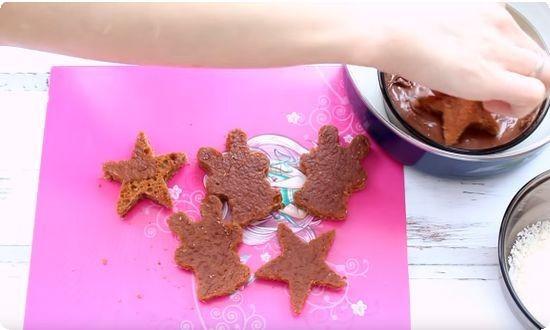 окунаем печеньки в шоколад