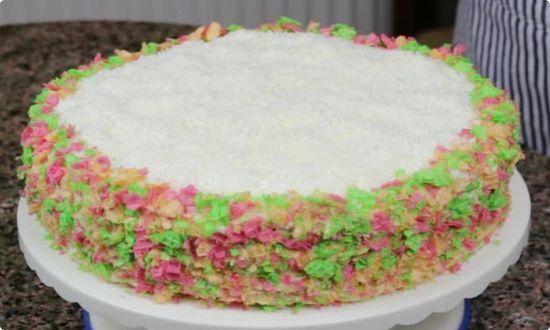 ставим торт в холодильник застывать