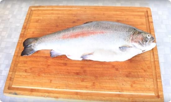 моем и чистим рыбу
