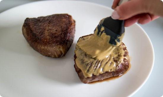 смазываем горчицей