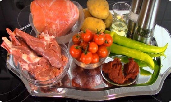 подготавливаем мясо и овощи