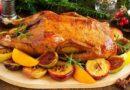 Сочная и мягкая утка с яблоками в духовке на Новый год 2020