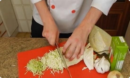 мелко режем капусту