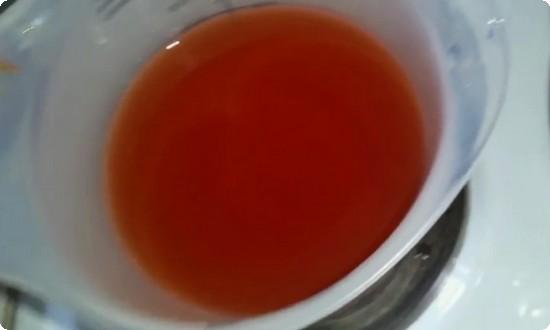 разводим томатную пасту