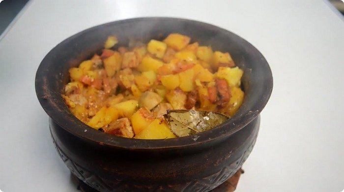 Жаркое с картофелем в духовке