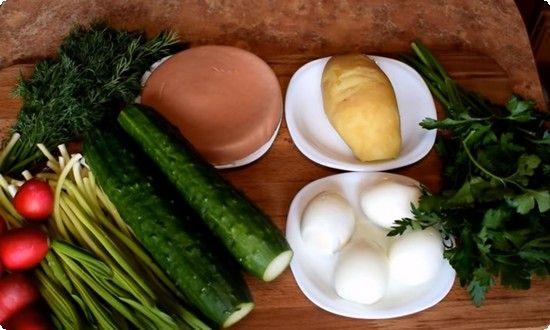 картофель, яйца отвариваем, очищаем