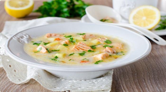 суп с красной рыбы с сыром