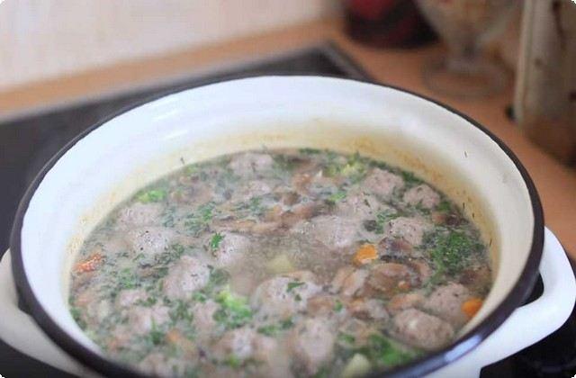 отправляем овощи в суп