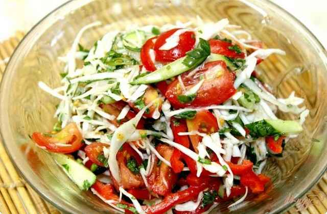 салат из помидор с капустой