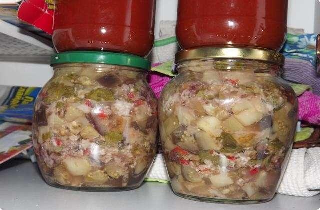 Баклажаны с грецкими орехами и чесноком
