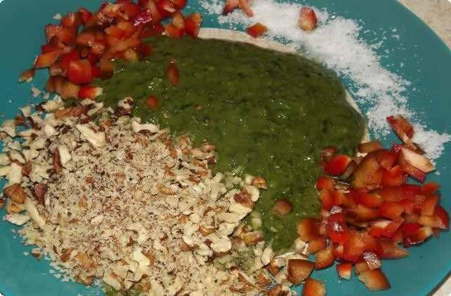 смешиваем овощи с орехом