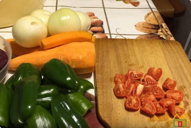 Все овощи моем и обсушиваем