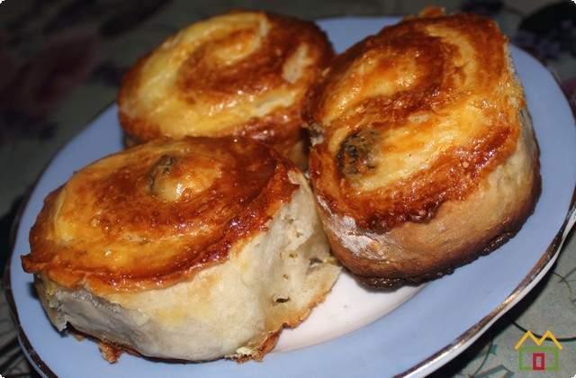 готовые булочки после выпечки