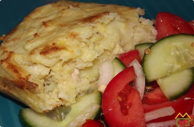 Картофельная запеканка с курицей, луком, сухарями без сыра