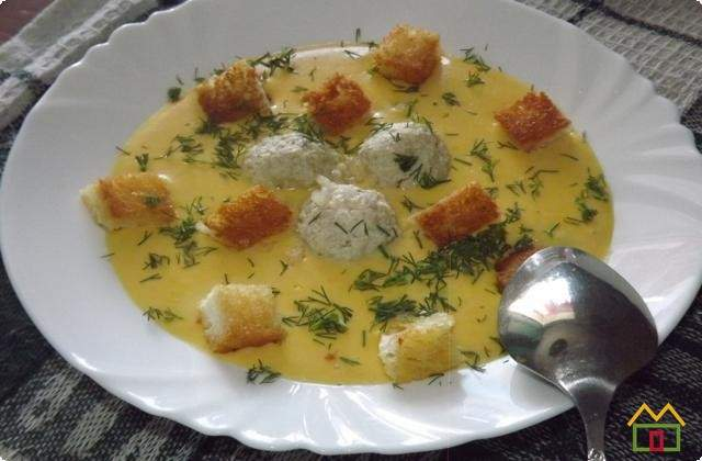 суп-пюре с сыром и картофелем